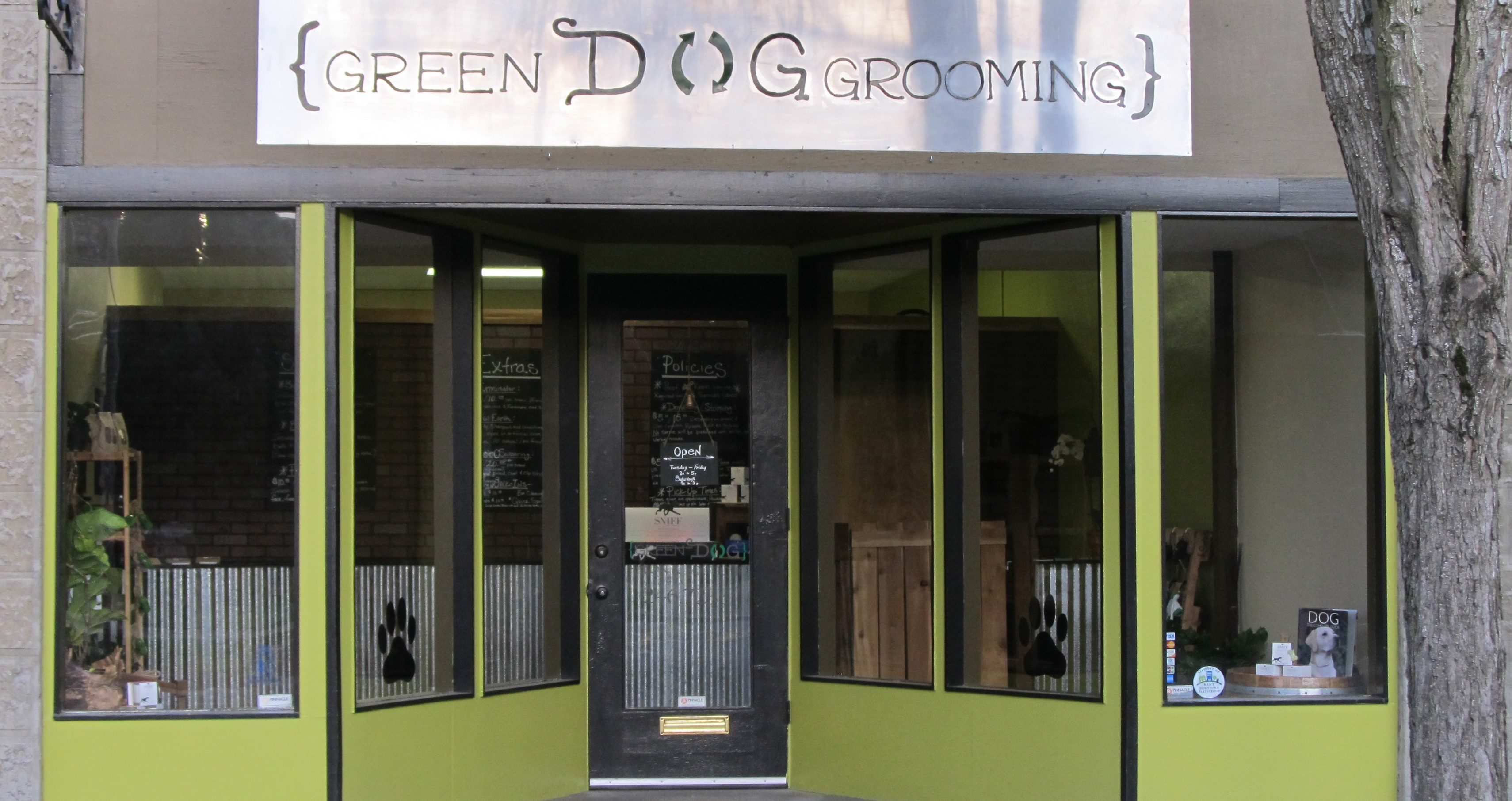 Green Dog Grooming